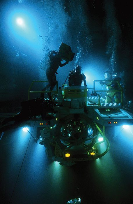 """""""The Abyss"""" PHOTO COURTESY OF THE CHUCK NICKLIN PHOTO LIBRARY"""