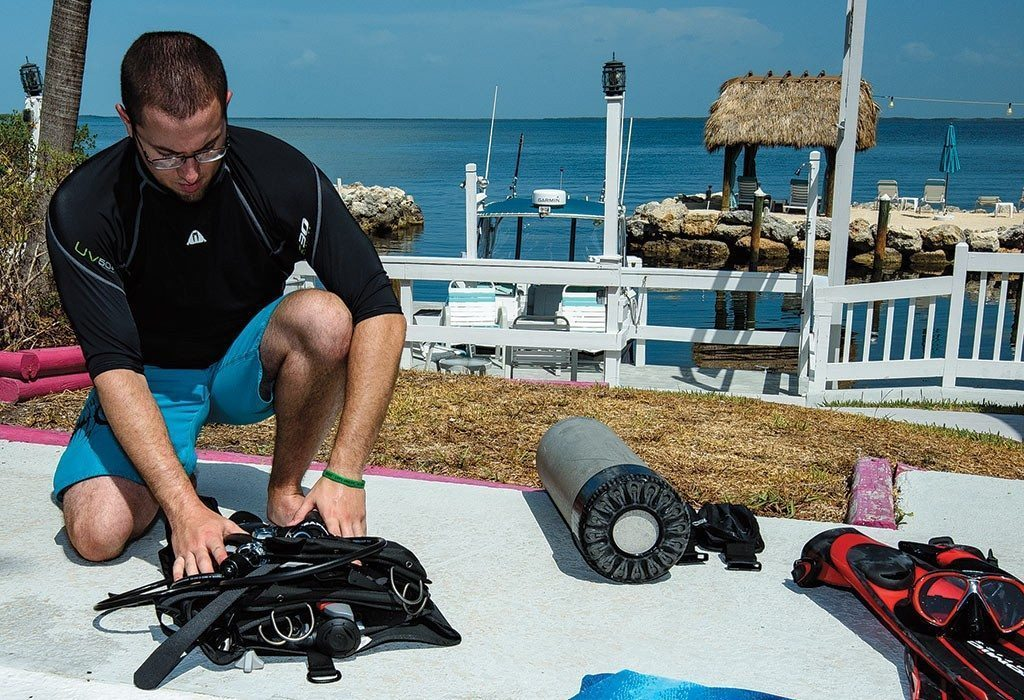 Scuba Diving | Disassembling the scuba unit