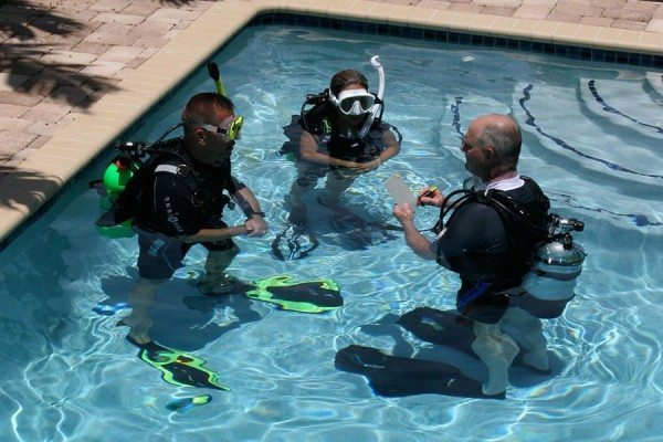 Scuba Diving | Scuba class - photo by Cathryn Castle