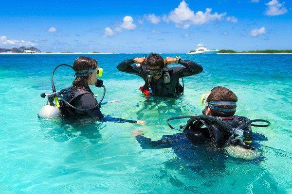 Scuba Diving | scuba diver learning to dive