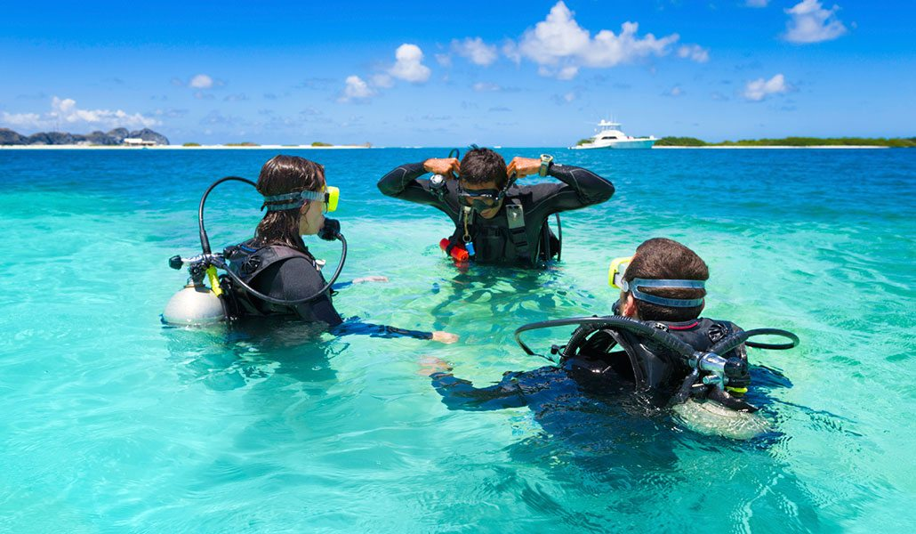 Scuba Diving | scuba diver learning to dive