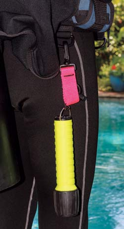 Scuba accessory clip