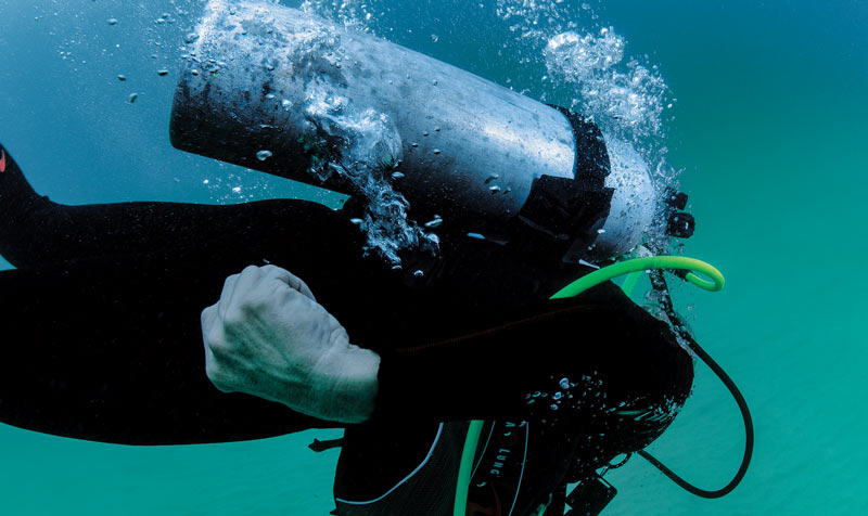 Scuba skills: Venting air from your BC