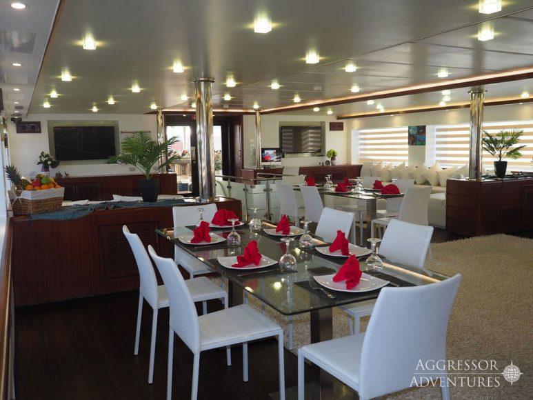 Oman-Yacht13-XL
