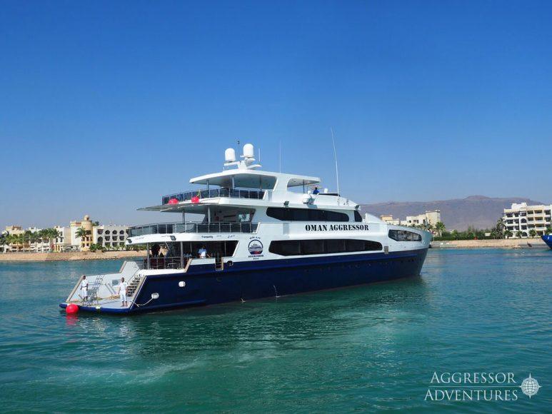 Oman-Yacht9-XL