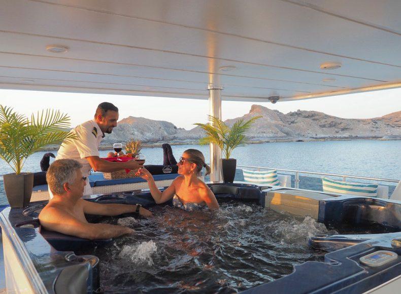 Oman aggressor oman and the arabian sea scuba diving - Dive training magazine ...