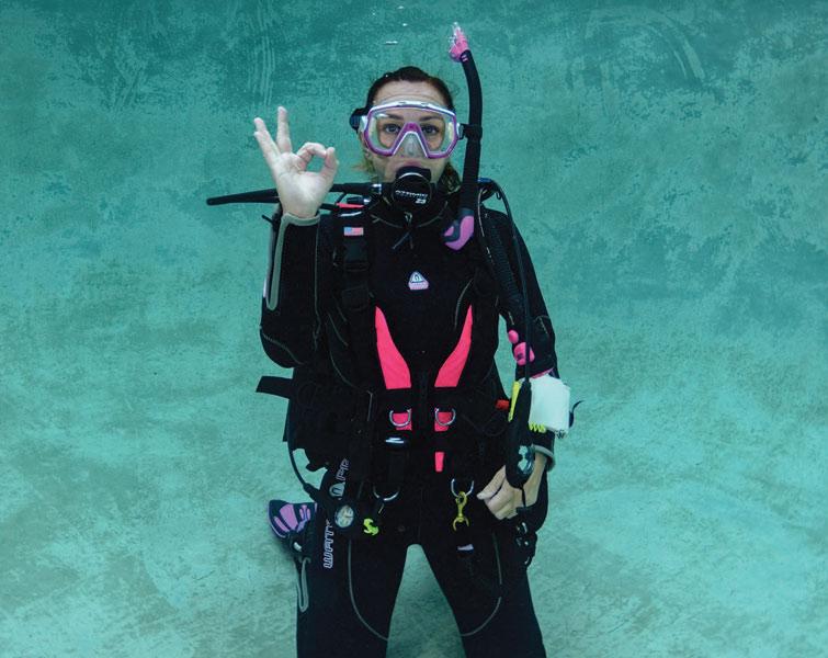 scuba skills - underwater hand signals