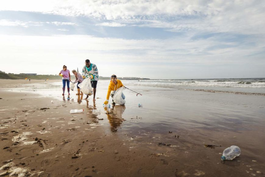 family beach cleanup ocean conservation