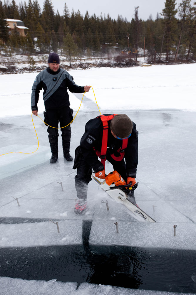 cutting ice for ice diving